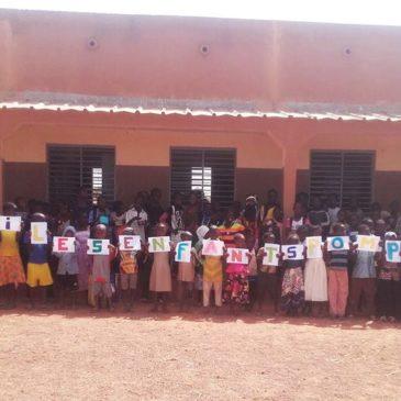 Les enfants africains remercient les enfants de Pomponiania !